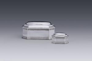 Silver - Two toilet boxes Hendrik Fortman