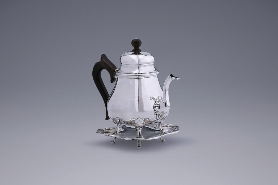 Silver - Wageningen Teapot on stand Willem Boekelman