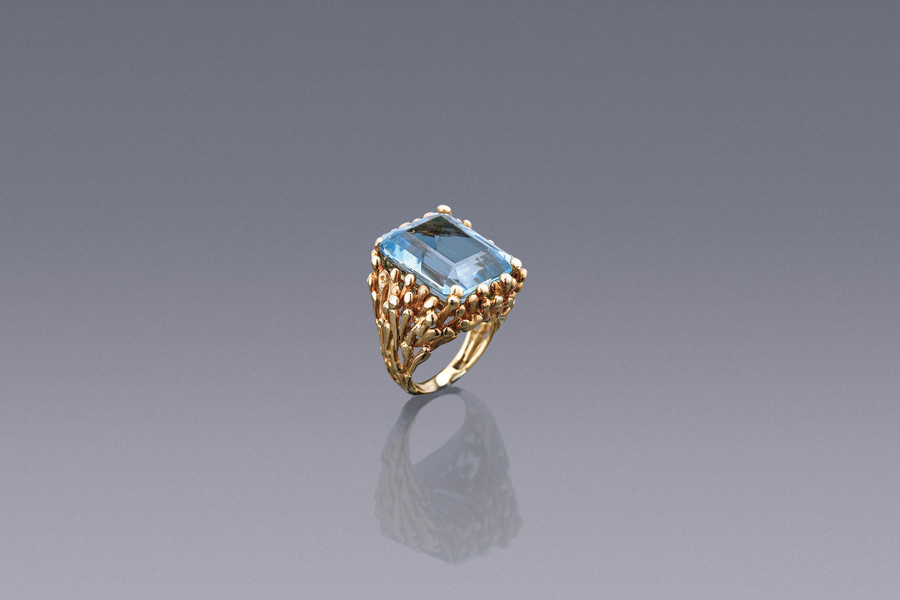 Jewels - An Impressive Aquamarine Ring Kutchinsky